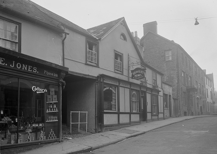 [Drover's Arms Hotel, Builth Wells]