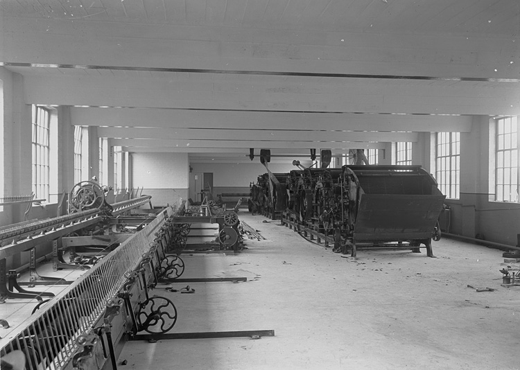 [Textile machinery at Cambrian Factory, Llanwrtyd]