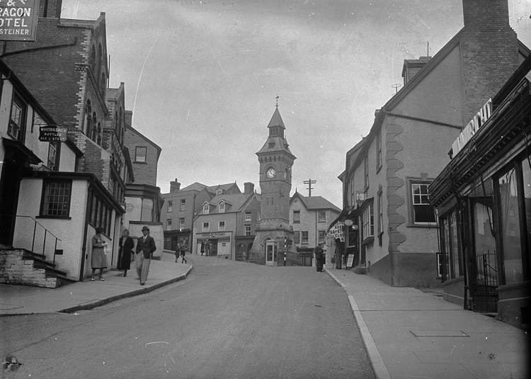 [Knighton town clock and war memorial]