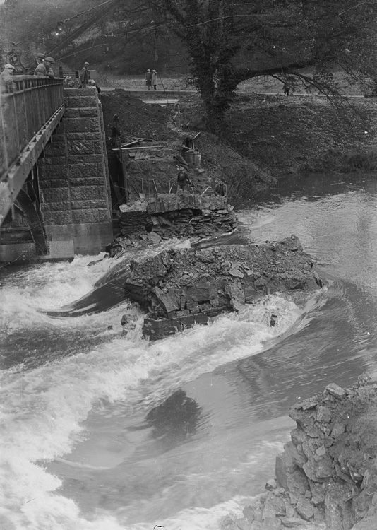 [Demolition of the old Irfon bridge]