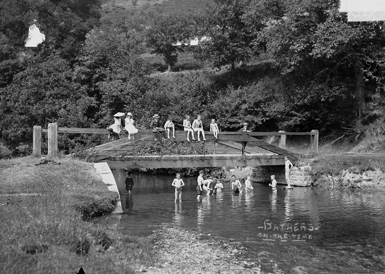Bathers on the Teme