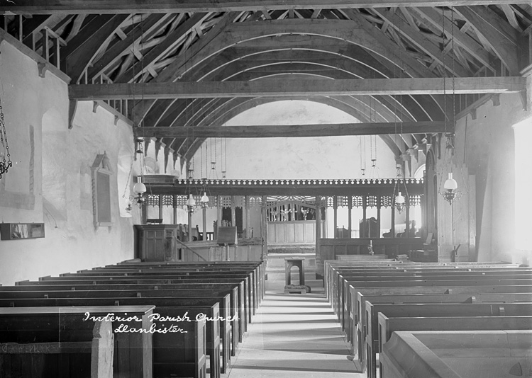 Interior parish church Llanbister