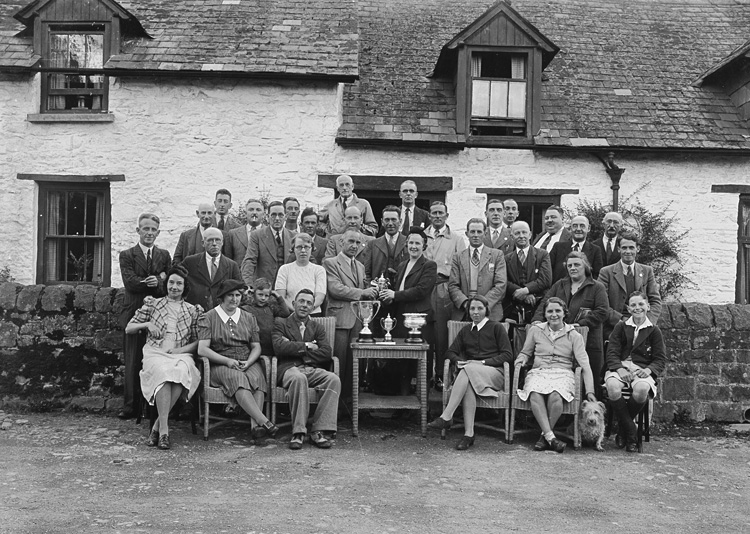 [Presentation of golfing trophies, Builth Wells Golf Club]