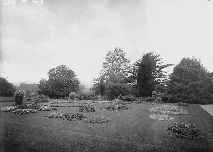 [Clungunford Hall gardens]