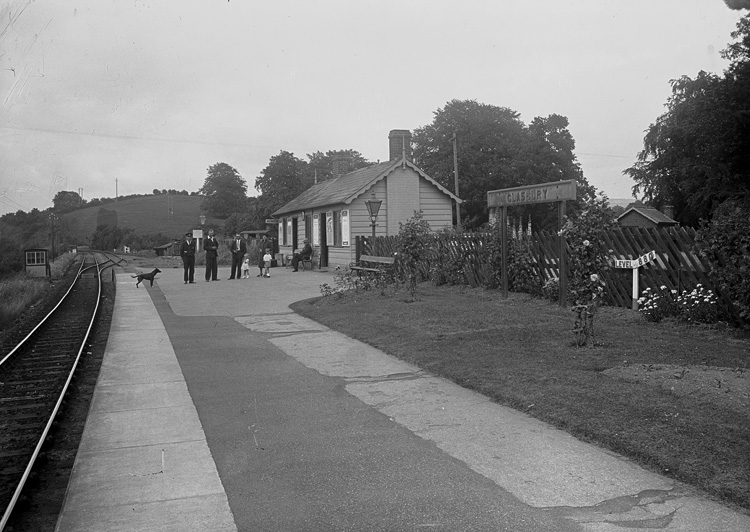 [Glasbury railway station]