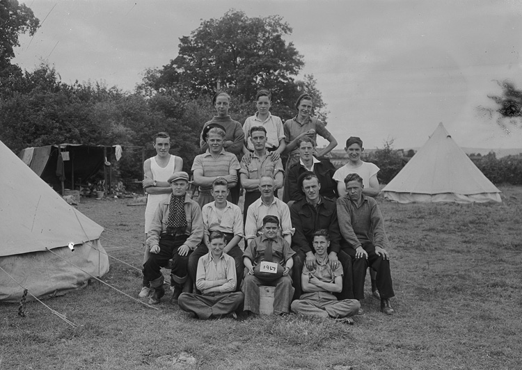[Merthyr Tydfil Boys' Club 1947, Whitehouse Fields, Builth Wells]