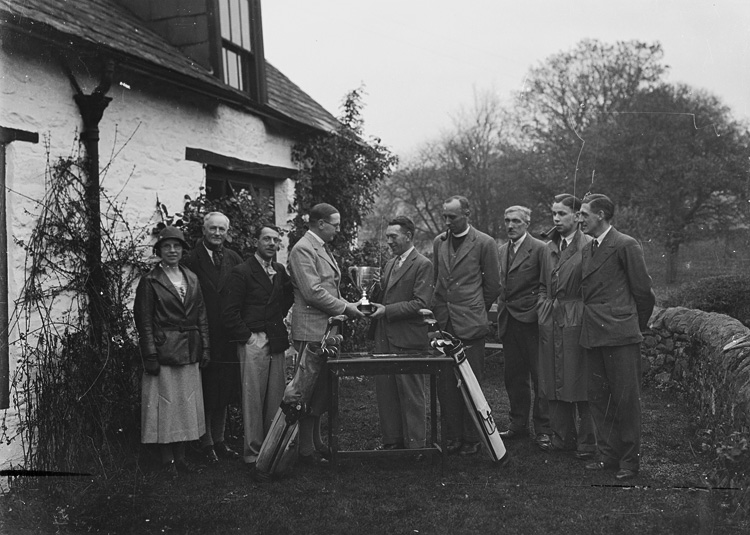 [Presentation of golfing trophies at the Builth Wells Golf Club]