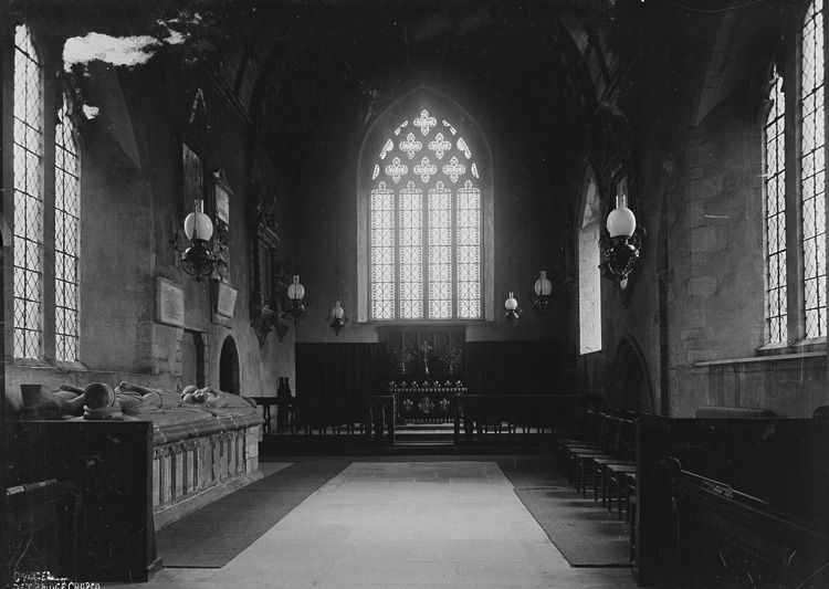 Chancel Pembridge church