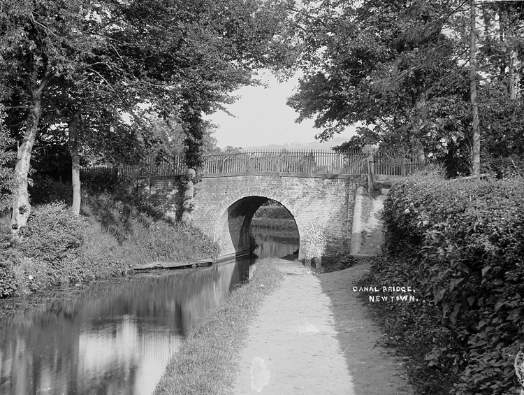Canal bridge Newtown