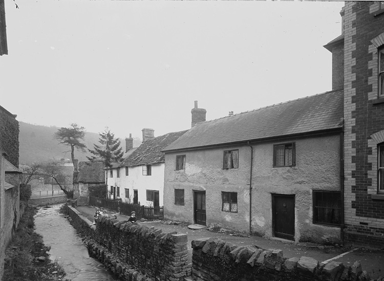 [Brook cottages, Knighton]