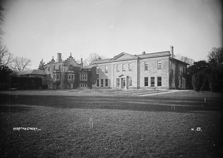 Harpton Court