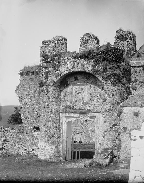 [Oxwich castle entrance]