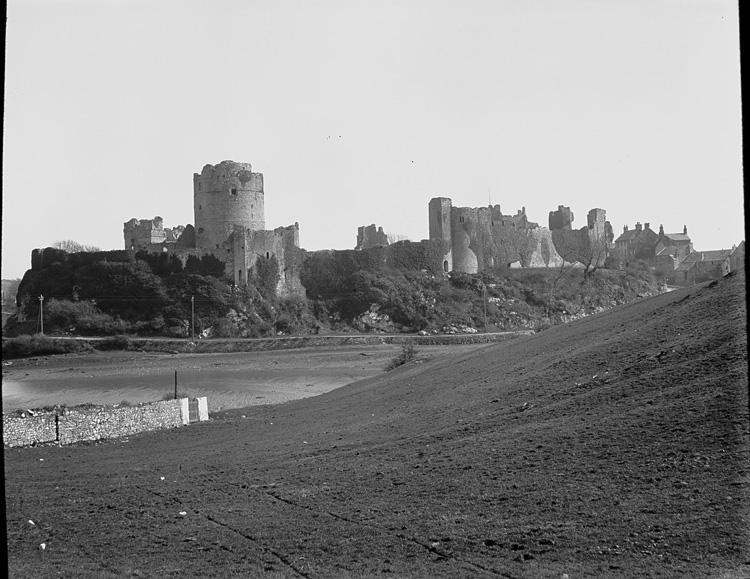[Pembroke castle]
