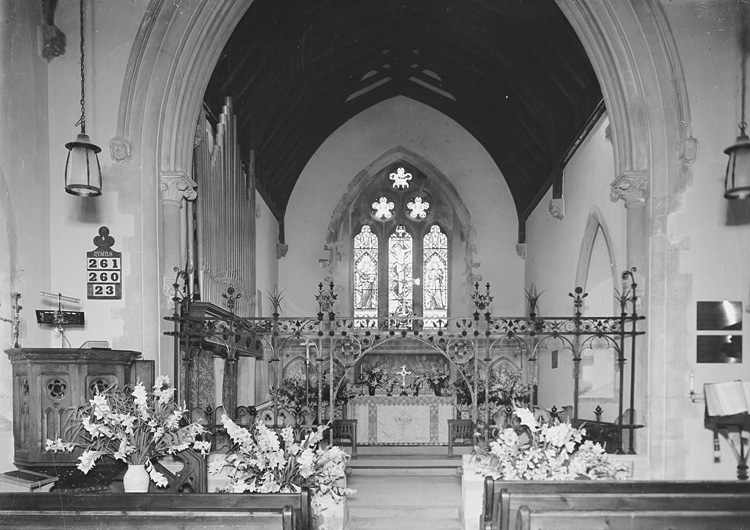 [Interior of St. Mary's church, Builth Wells]