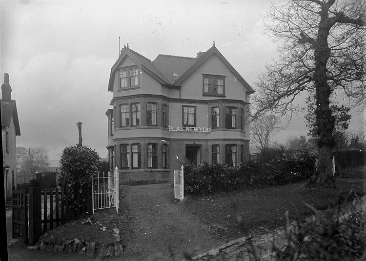 [Plas Newydd house, Llanwrthwl]