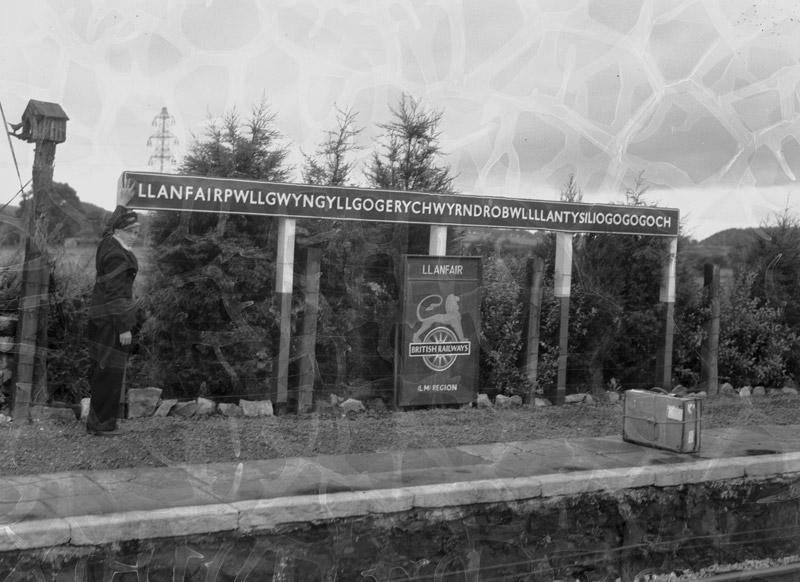 [Llanfair Pwllgwyngyll Railway Station signpost]