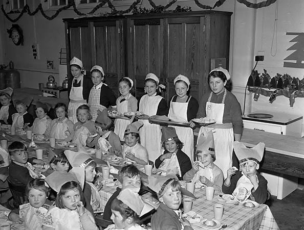 [Weston Rhyn County School's Christmas Party]