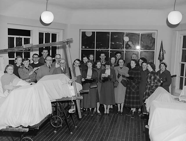 [Oswestry Aelwyd Choir at Oswestry Orthopaedic Hospital]