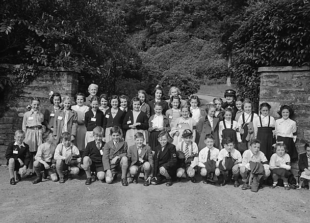 [Red Cross Juniors at Machynlleth]