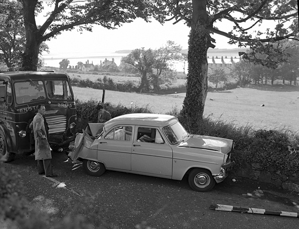 [Five-car road accident in Caernarfon]