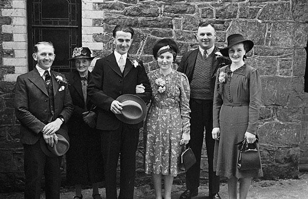 [Wedding of Doris May Spencer and Richard Elwyn Davis at Bwlch-y-ffridd Congregational Church]
