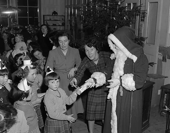 [Llanfyllin Church School Christmas party]
