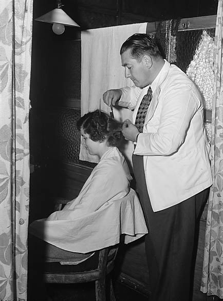 [Unidentified hairdresser]
