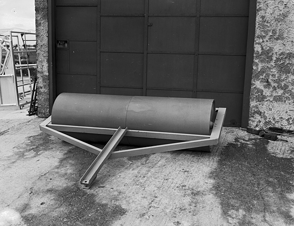 [A roller made by Owen Owen, a Waunfawr blacksmith]