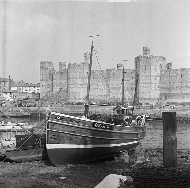 [Views of Caernarfon Castle and town]