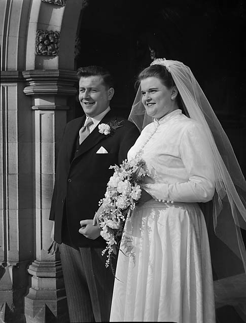 [Wedding of Evelyn Northwood and Arthur Price at Oswestry Parish Church]