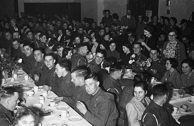 [Social evening for servicemen at Llanfyllin]