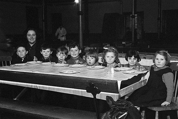 [School children from New Road Infants School, Newtown in their new canteen]