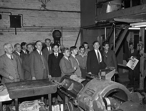 [Sentinel Factory employees visiting the Caxton Press, Oswestry]