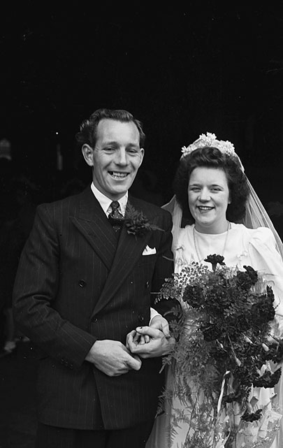 [Wedding of Norma Lewis and J Griffiths at Oswestry, 1948]