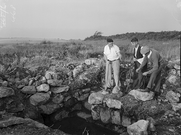 [Renovating Ffynnon Fyw in Mynytho, an ancient medicinal well]