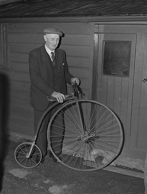 [Penny Farthing bicycle]