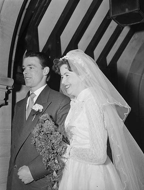 [Wedding of Sylvia Mair Davies and Kenneth Davies at Bwlch-y-cibau]