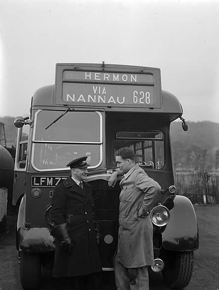 [The Hermon bus via Nannau]
