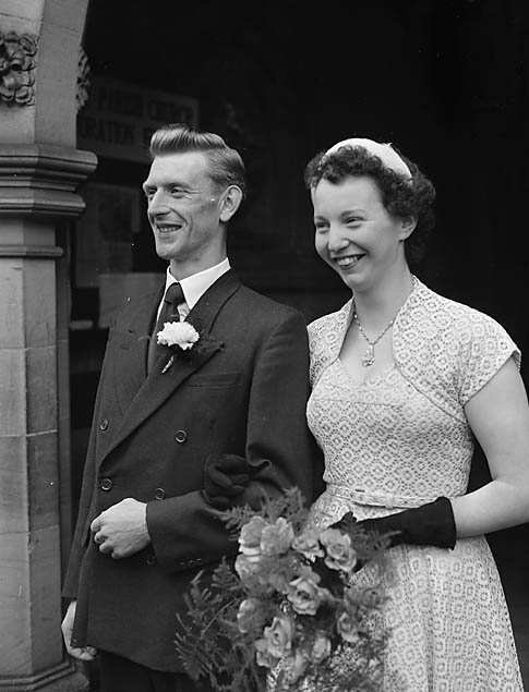 [Wedding of Sybil Pritchard and Edward Jones at Oswestry Parish Church]