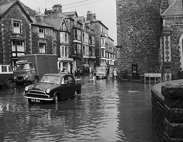 [Floods in Barmouth]
