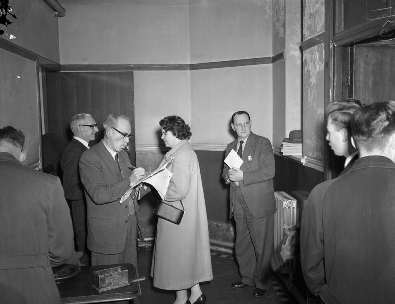 [First meeting Caernarfon Eisteddfod Choir for 1959 Eisteddfod]
