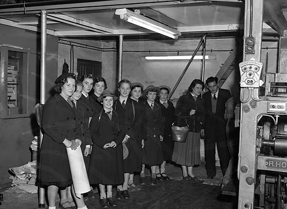 [Girl Guides visiting Caxton Press]
