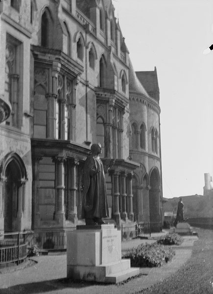 [Statue of the Prince of Wales in front of the Old College, Aberystwyth]