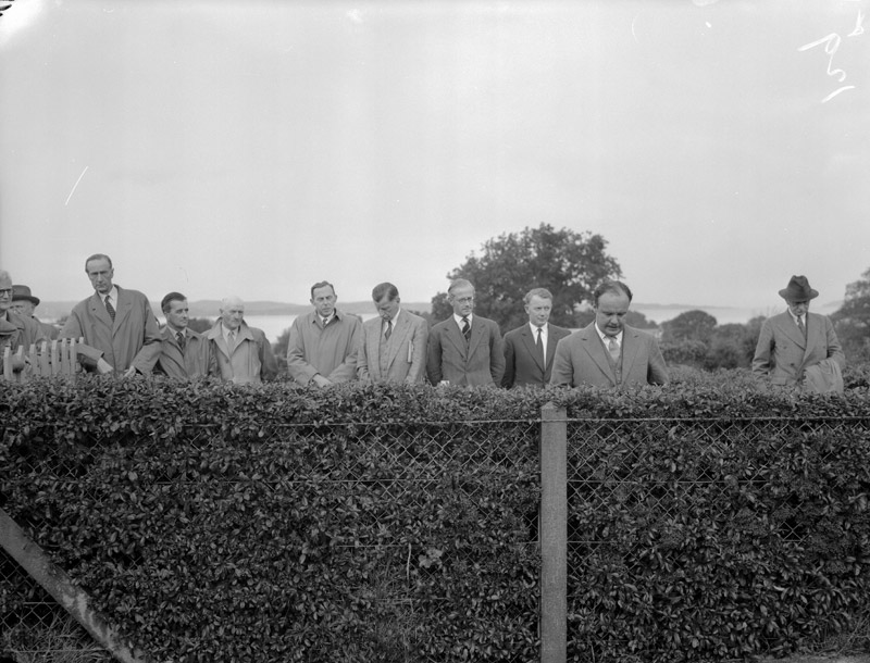 [Mr John Hare, Agriculture Minister, opens new buildings at the University College of North Wales Farm at Aber[gwyngregyn]]