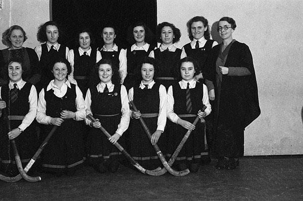 [Newtown County Girls' School hockey team]