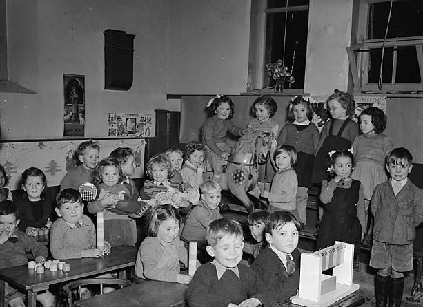 [Christmas at Cwmdauddwr School, Rhayader]