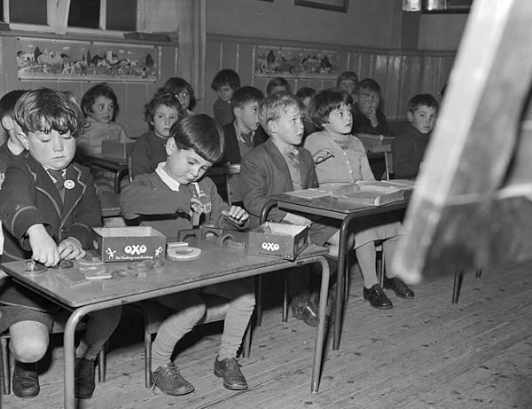 [Llangeitho School children]