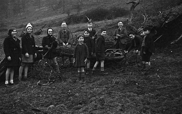 [Children collecting firewood at Montgomery]