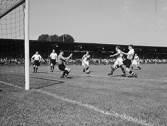 [Shrewsbury Town versus Bristol Rovers at Eastville Stadium, Bristol]