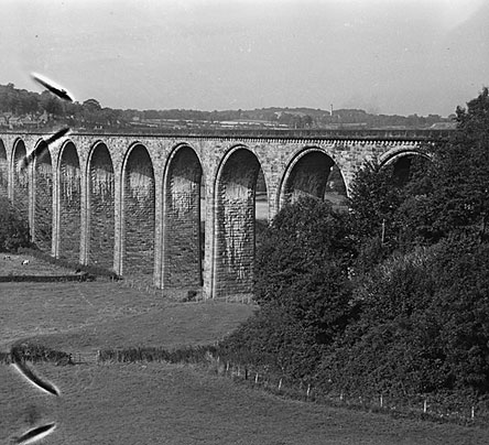[The Cefn Viaduct on the main Paddington to Birkenhead line, 1948]